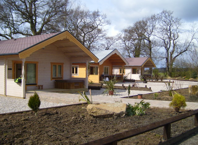 WHINSTONE VIEW: log cabins in Great Ayton